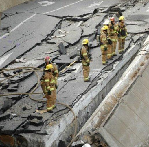 Collapse of de la Concorde overpass