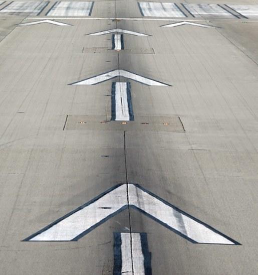 Airport runway concrete durability design